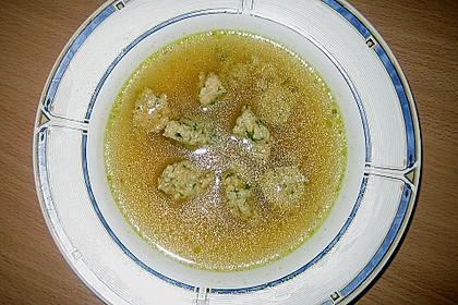 Grüne Semmelklößchen als Suppeneinlage 2