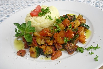 Zucchini - Tomaten - Gemüse 12