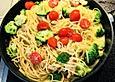Brokkoli - Nudeln mit Käse - Paprika - Soße