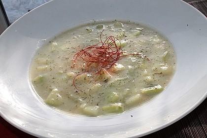 Kartoffelsuppe mit Gurke und Dill 1