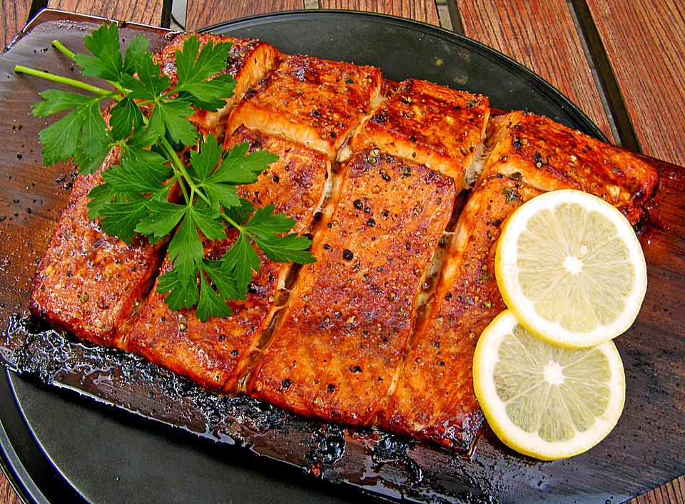 Weber Elektrogrill Lachs Grillen : Plank grilled lachs von liwanze chefkoch