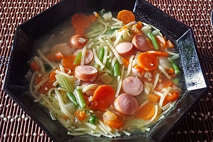 Einfache Gemüse - Nudel - Suppe