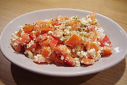Tomatensalat mit körnigem Frischkäse 10