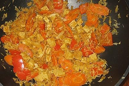 Illes schlankes Schichtkraut  mit  geräuchertem Tofu aus dem Wok 6