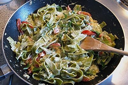 Spaghetti mit Rucola und Cherrytomaten 4