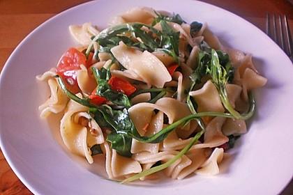 Spaghetti mit Rucola und Cherrytomaten