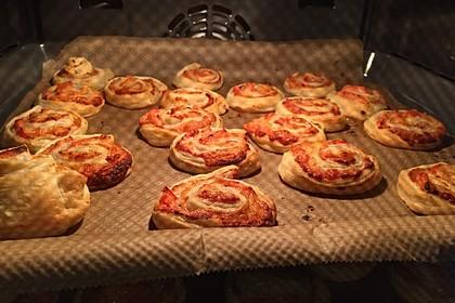 Blätterteig Pizza - Schnecken 18