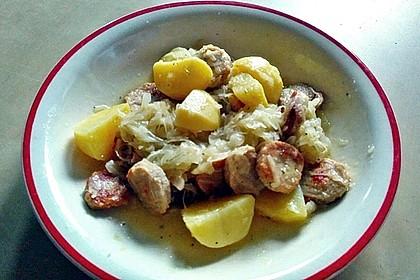 Bratwurst-Sauerkraut-Pfanne 9