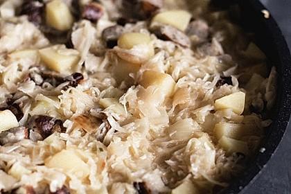 Bratwurst-Sauerkraut-Pfanne 10