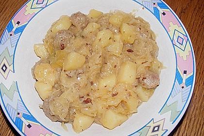 Bratwurst-Sauerkraut-Pfanne 16
