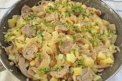 Bratwurst-Sauerkraut-Pfanne 11