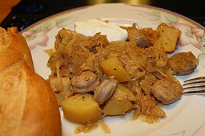 Bratwurst-Sauerkraut-Pfanne 12