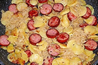 Bratwurst-Sauerkraut-Pfanne 5