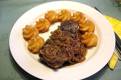 Steaks mit Zwiebeln 8