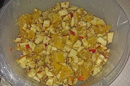 Gelber Obstsalat mit Walnüssen 10