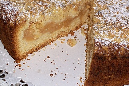 Apfel - Wein - Kuchen mit  Vanillepudding und Streuseln 2