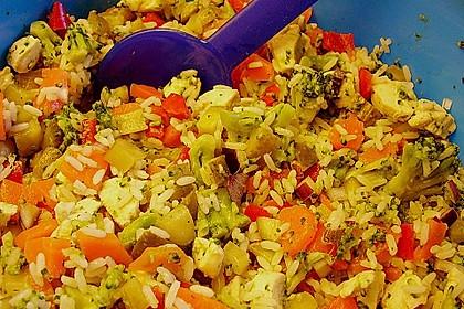 Reissalat mit Hähnchenfleisch und Brokkoli