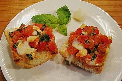Tomatencrostini mit Büffelmozzarella 2