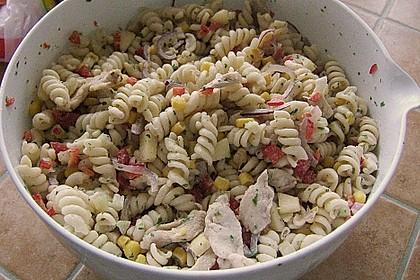 Nudelsalat mit Hähnchenbrustfilet - Streifen 3