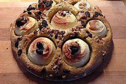Bratapfelkuchen mit Marzipan, Mandeln und Rosinen 3