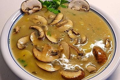 Wiener Kartoffelsuppe mit Pilzen