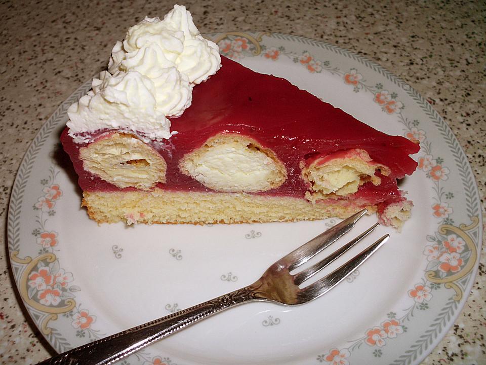 Rote Grutze Torte Gefullt Mit Mini Windbeutel Von Schmunz6