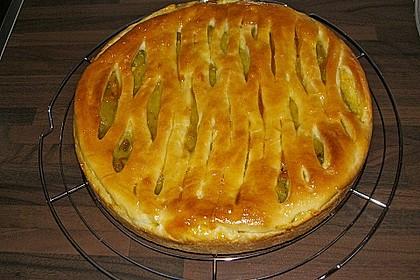 Apfelkuchen mit Walnüssen und Hefeteig 5