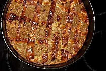 Apfelkuchen mit Walnüssen und Hefeteig 6