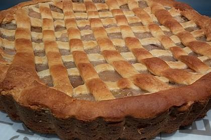 Apfelkuchen mit Walnüssen und Hefeteig