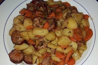 Kartoffeln und Möhren mit Mettwurst 9