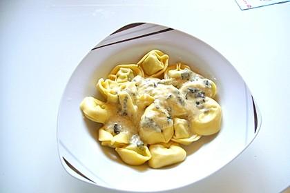 Pasta mit Salbei-Käsesoße 4