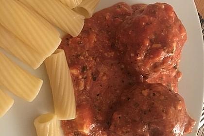 Hackfleischbällchen mit Schafskäse in Tomatensauce 15