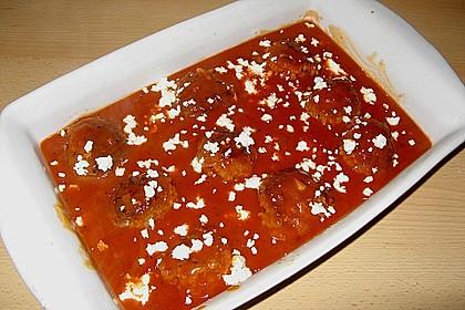 Hackfleischbällchen mit Schafskäse in Tomatensauce 50