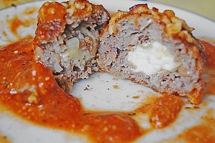 Hackfleischbällchen mit Schafskäse in Tomatensauce 47