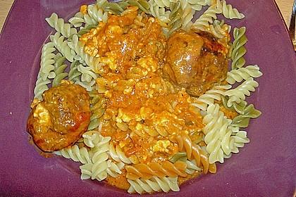Hackfleischbällchen mit Schafskäse in Tomatensauce 54