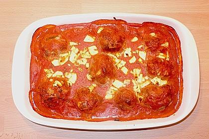 Hackfleischbällchen mit Schafskäse in Tomatensauce 71