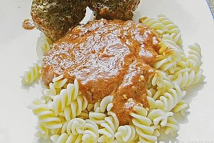 Hackfleischbällchen mit Schafskäse in Tomatensauce 75