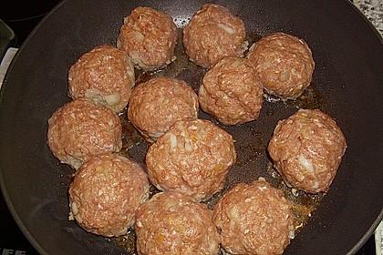 Hackfleischbällchen mit Schafskäse in Tomatensauce 67