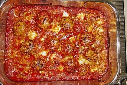 Hackfleischbällchen mit Schafskäse in Tomatensauce 12