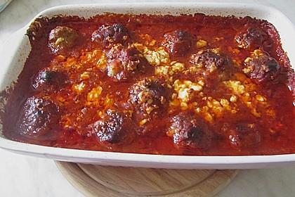 Hackfleischbällchen mit Schafskäse in Tomatensauce 59