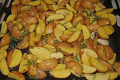 Fettarme Kartoffelspalten aus dem Ofen 4