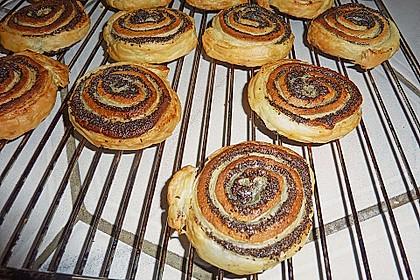 Blätterteig - Mohnschnecken mit Marzipan 18