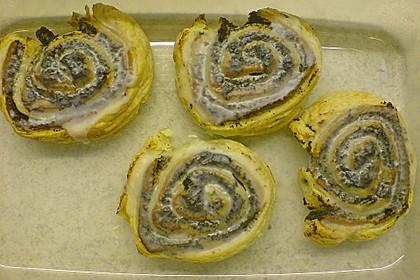 Blätterteig - Mohnschnecken mit Marzipan 6