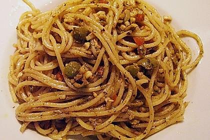 Spaghettini mit Oliven und Sardellen 1