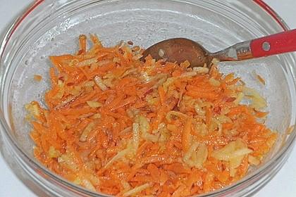 Möhren - Apfel - Salat mit Orangendressing und Walnüsse 20