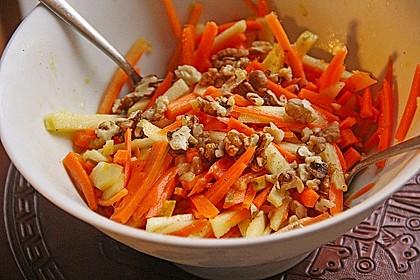 Möhren - Apfel - Salat mit Orangendressing und Walnüsse 8