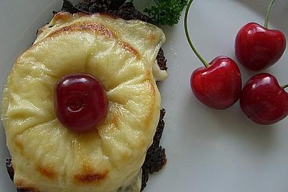 Riefkoken  mit Kochschinken und Ananas überbacken