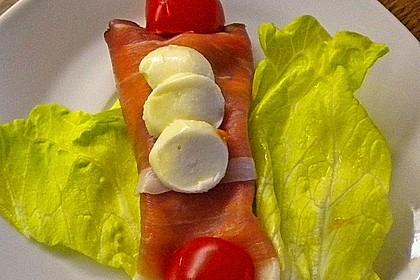 Schinkenrollen mit grünen Salat