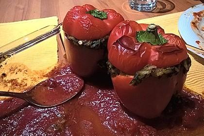 Paprikaschoten gefüllt mit Spinat