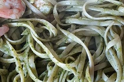 Spaghetti - Pesto - Salat